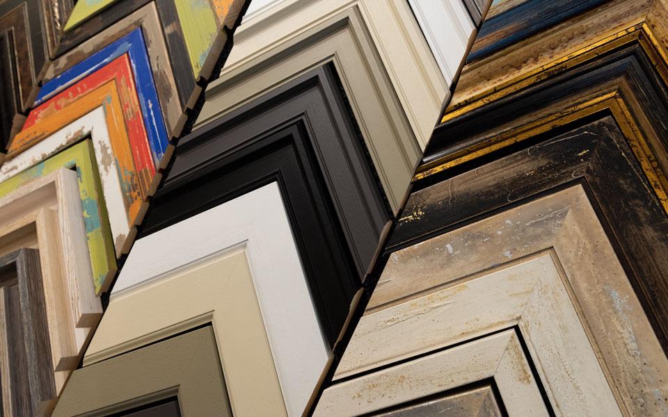 art-framing-mouldings2-960x600