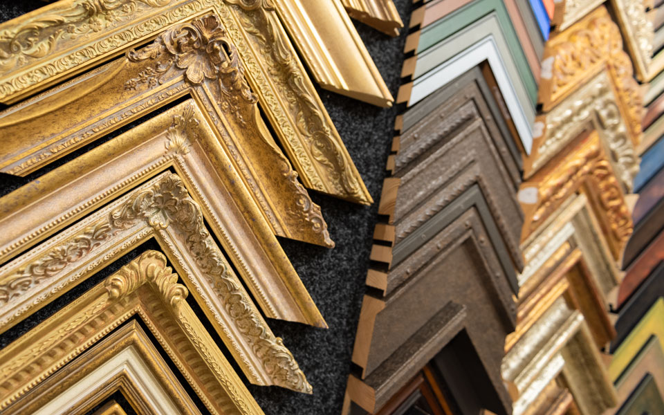 art-framing-mouldings1-960x600